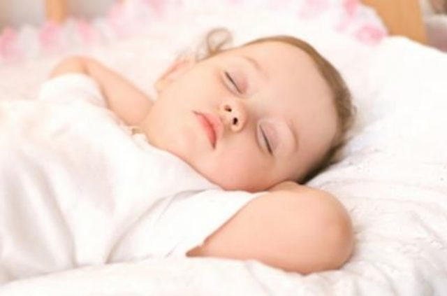 How much sleep do babies and toddlers need?